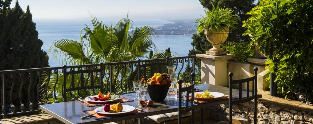 Villa Carlotta Restaurant Taormina